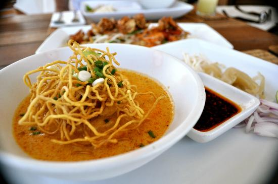 Putahracsa Hua Hin: Kai Soi - best dish ever