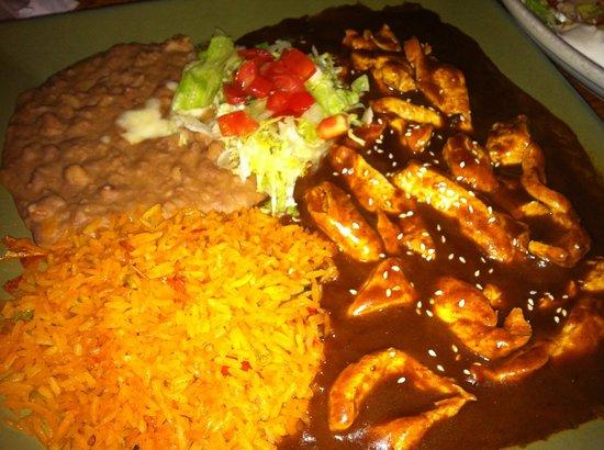 El Mariachi Mexican Restaurant: pollo mole