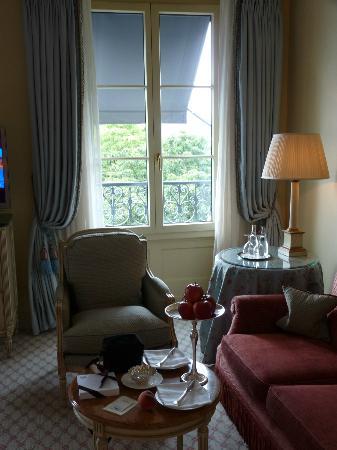 Hotel Beau-Rivage Geneva: chambre et tea time
