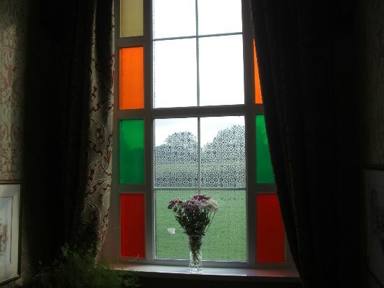 Newhouse Farm: Stairway window