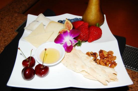 Chaminade Resort & Spa: Artisan Cheese Amenity