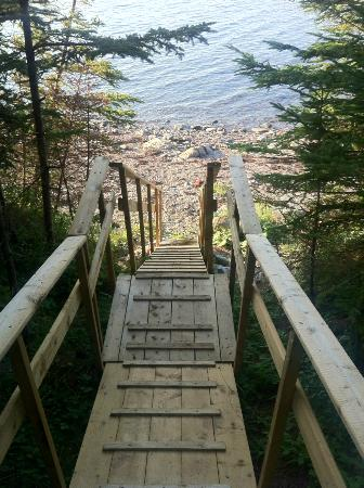 Edwardsville, Kanada: Ramp (built by Garry himself!) leading to the beach