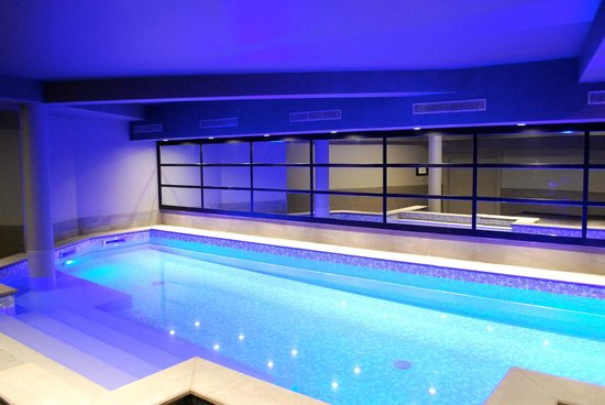 Le cinq hotel updated 2017 prices reviews chambery for Chambery metropole piscine