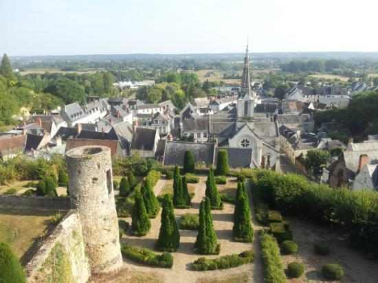 Le XII de Luynes: view from the Luynes castle