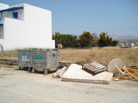 Naxos Kalimera Hotel:                   Rubbish outside