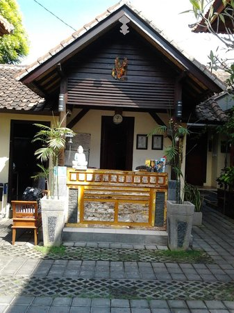 Yulia Homestay: reception