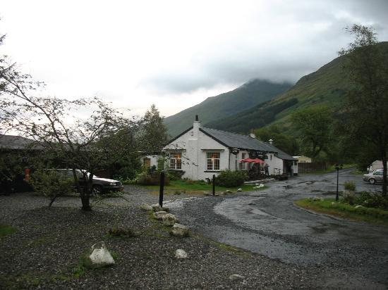 Ben More Lodge Hotel: Main buiding / bar