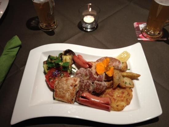Restaurant Picknick: ottima grigliata mista con contorno!