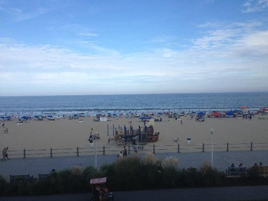 Hampton Inn Virginia Beach-Oceanfront South: View from Room 315