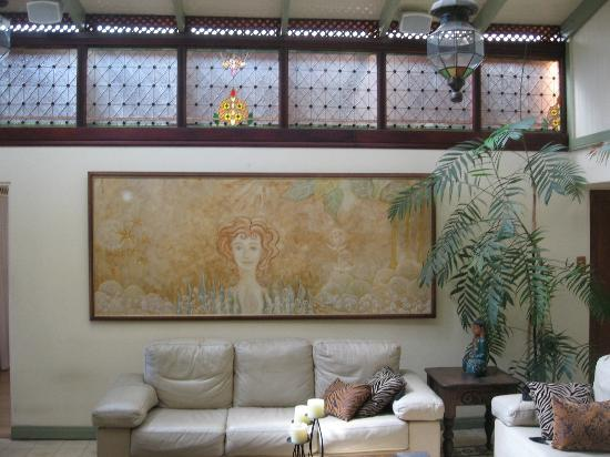 Tierra Magica: living room of the owner, she is an artist, and creates all the pictures herself with natural cl