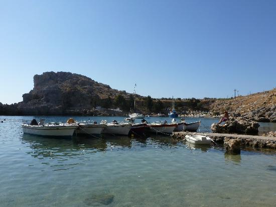 Agios Pavlos Beach (Saint Paul): troppe barche nella baia