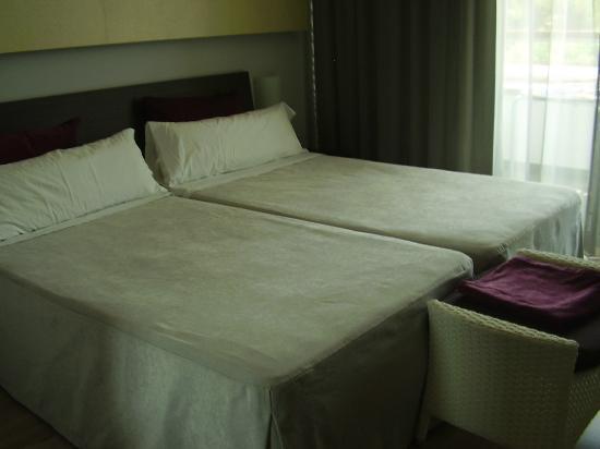 Hotel Els Arenals: habitacion