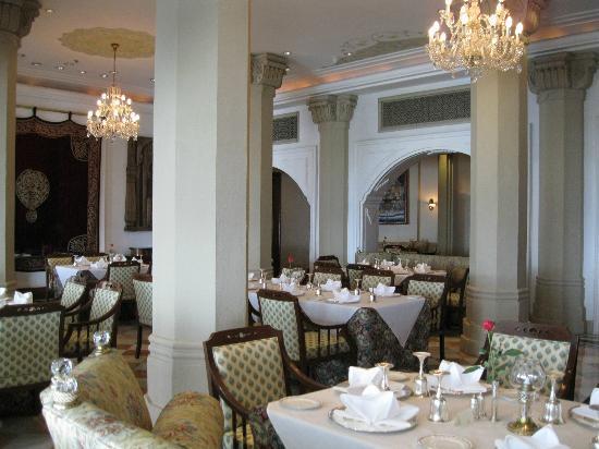 Rang Mahal Restaurant : RM