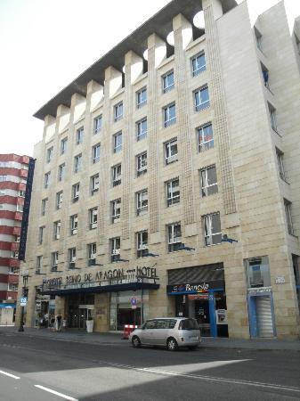 Silken Reino de Aragon Hotel: vista fronte hotel