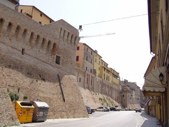 Marche, Italy: mura della città