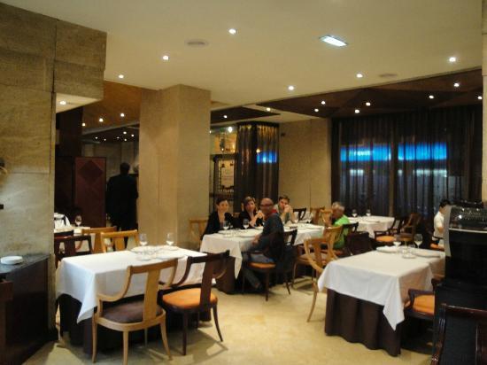 Silken Reino de Aragon Hotel: sala pranzo/cena e colazione