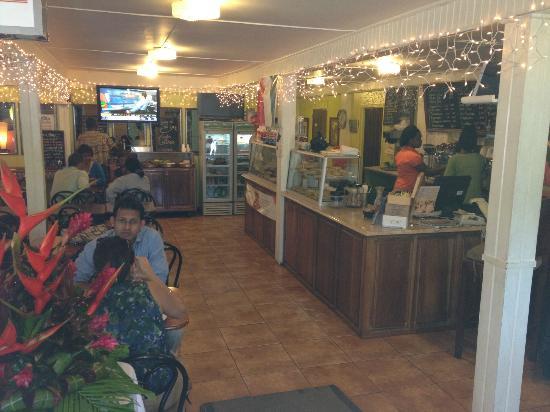 Oasis Cafe: Inside