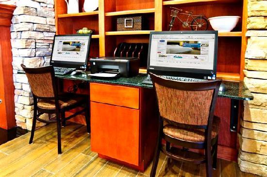 Hampton Inn & Suites Petoskey: Business Center