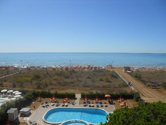 Park Hotel Bertha: Piscina/Spiaggia