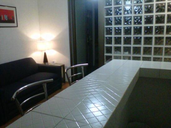 Suites Churubusco : Vista desde cocina a la sala