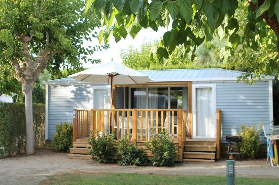 Tamarit Park Resort : bungalow patio