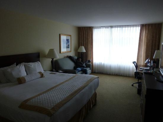 Morgantown Marriott at Waterfront Place: River View Room