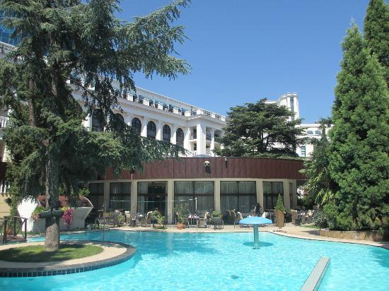 Hotel Oreanda: The outside swimming pool