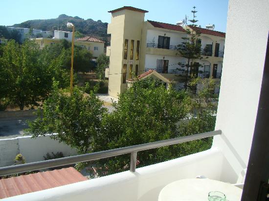 Platon Hotel: vista sul retro,dal balcincino della camera