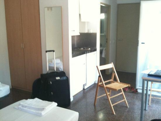 Residencia Universitaria La Ciutadella : just arrived =)