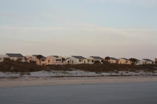 Quail Hollow Condominium: condos from beach