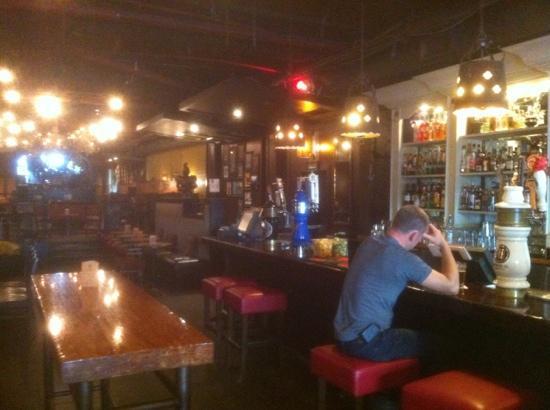 The Morrissey Pub : the long bar