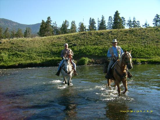 Skyline Guest Ranch and Guide Service: crossing the Lamar river in Yellowstone Park