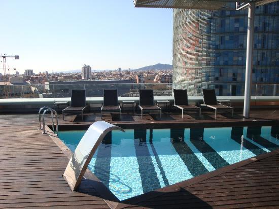 La Piscine Sur Le Toit De Lhôtel Avec Vue Sur La Ville - Hotel barcelone avec piscine sur le toit