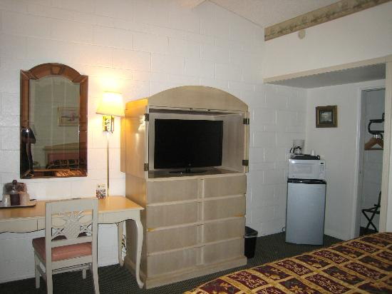 Town House Motel: Guest Room