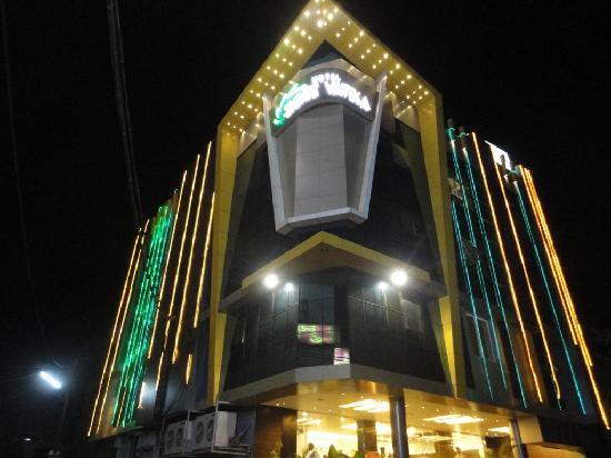 Hotel Shree Vatika: realy a luxuary bussiness hotel