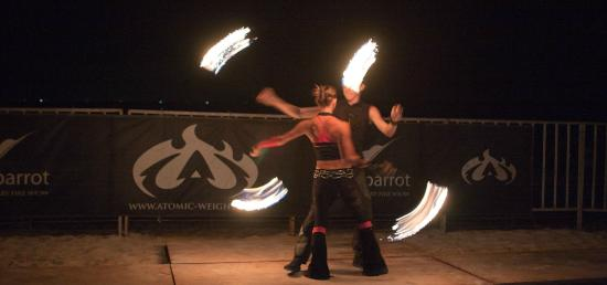 Party Playa: Fire dancers