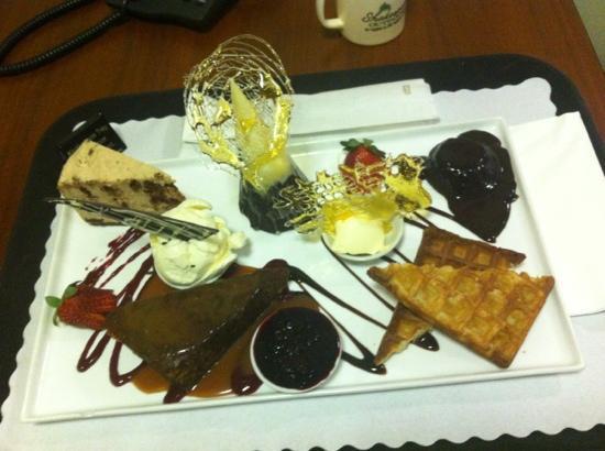 Rocky Resort Motor Inn: yum yum desserts