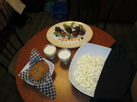Deerfoot Inn and Casino : Delivered goodies to our room.