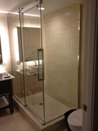 Westin Wall Centre Vancouver Airport: spatious!