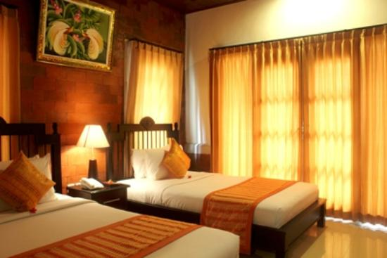 Sri Phala Resort & Villa: Deluxe twin bed room