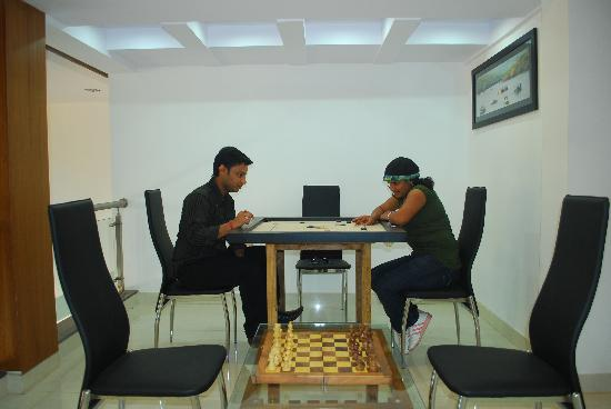 Shanti's Hotel Surbhi: Indoor Games
