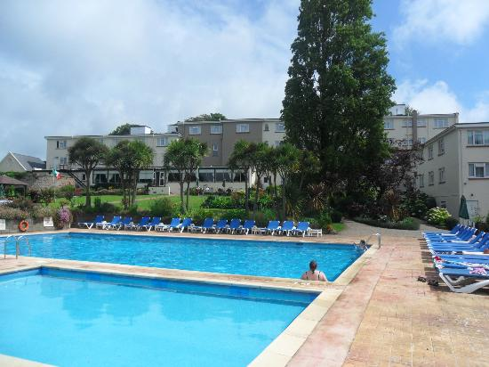 Westhill Country Hotel: View of the hotel from the pools