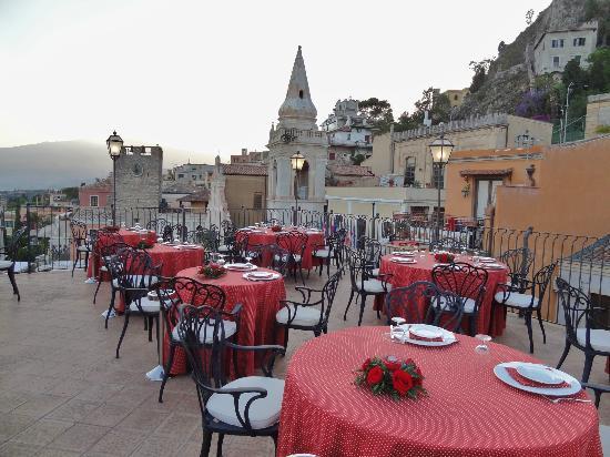 Hotel Morales: Restaurant in Taormina