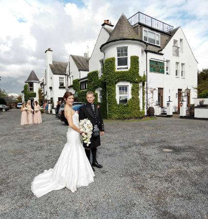 Abbotsford Hotel: Outside