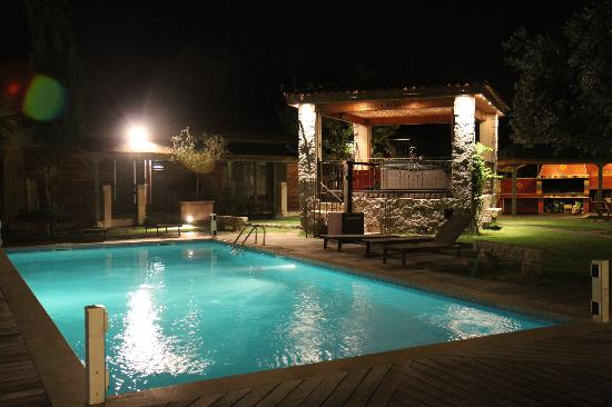Residence Le relax : Piscine & jacuzzi