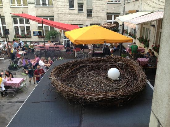 Michelberger Hotel: Big Bird nest above bar