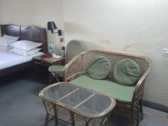 Dalmia Atithi Vihar: room