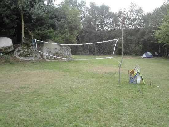 Camping des Bruyeres: Terrain de badminton