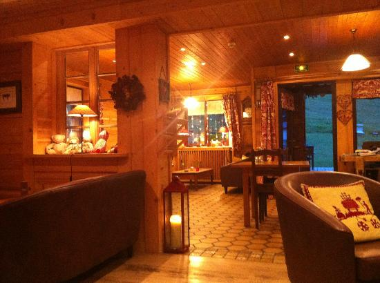 Chalet-Hotel Crychar : Salon conviviale