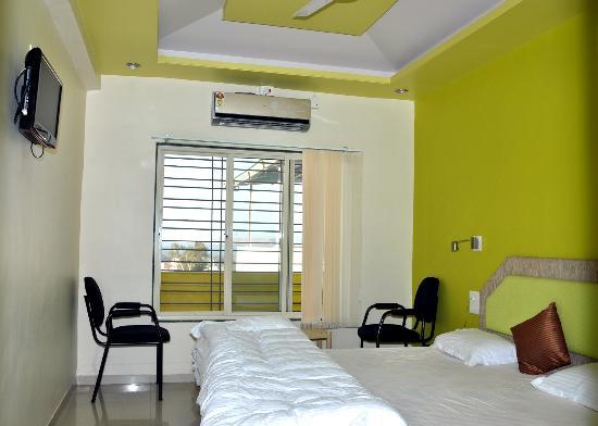 Hotel Pooja Residency: 4